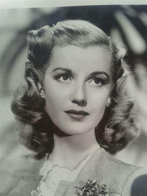 1940s hair styles for medium length hair best 25 1940s hair ideas on pinterest 40s hair vintage