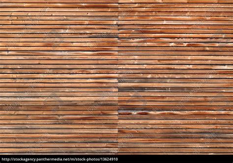 fassade horizontal holzfassade mit horizontaler lattung im querformat stock