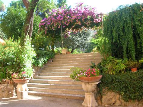 in giardino foto il giardino le orsoline unione romana