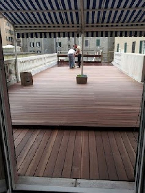 pavimenti sopraelevati in legno foto pavimento in legno galleggiante esterno di edilfabio