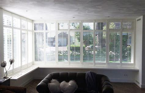 jaloezieen erker raamdecoratie voor de serre of erker raamidee