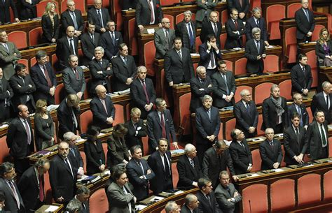 dei senatori senato co possibile italiano medio non sappia mai nulla