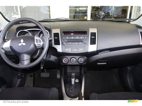 Mitsubishi Outlander 2007 Interior by 2007 Mitsubishi Outlander Es Dashboard Photos Gtcarlot
