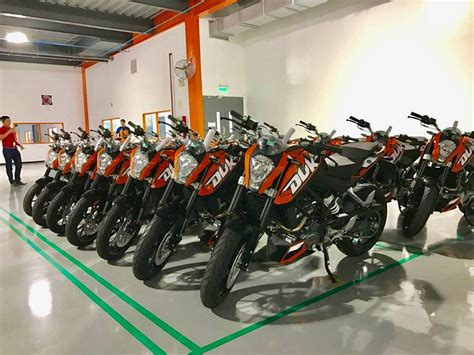 motocross gear philippines ktm motorcycle plant goes into high gear james deakin