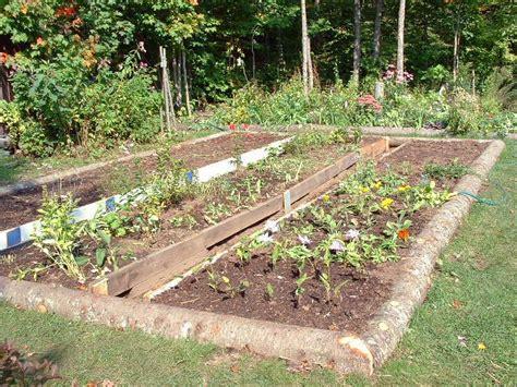 Carre Bois Pour Jardin by Am 233 Nager Un Carr 233 De Jardin En Bois