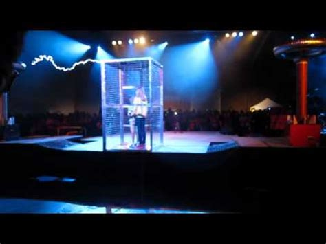 Doctor Who Tesla Coil The Dr Who Theme Played On Tesla Coils