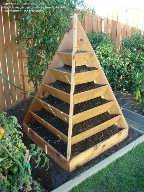 Pyramid Planters by The World S Catalog Of Ideas