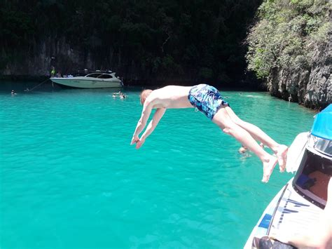 best speed boat tour to phi phi island phi phi island tour by speed boat tour to maya bay khai