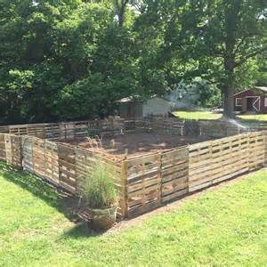 Backyard Dog Pens by Pallet Fence Simply Janelle Designs