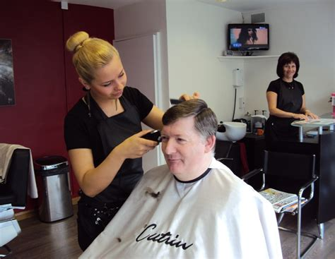 barber haircuts for women in trinidad womens barber shop haircuts refinery29 women barbershop