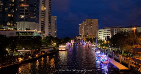 fort lauderdale boat show parade pbn takes in sensational lighted holiday boat parade in