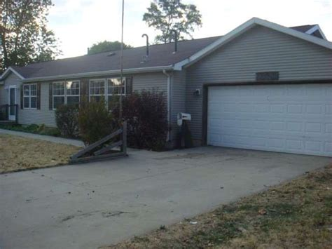 Garage Sales In South Bend Indiana by 1305 W Indiana Ave South Bend Indiana 46613 Foreclosed