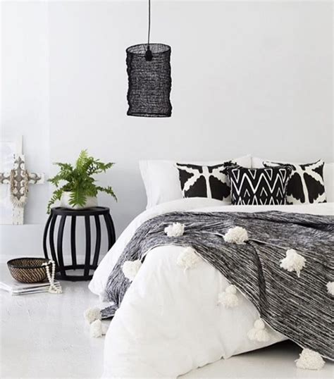 white bedding with accent pillows black and white rooms pretty throw pillows