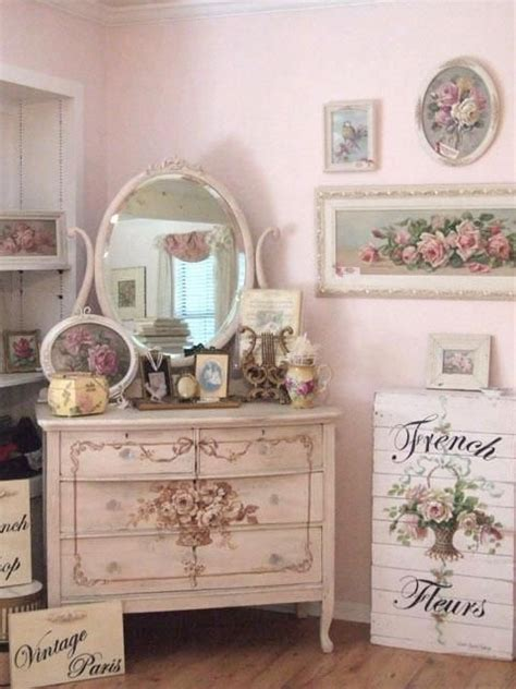 shabby chic girls bedroom furniture fleurs a shabby chic girl s bedroom with vintage