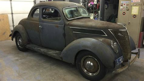 1937 ford coupe new barn find 1937 ford coupe deluxe