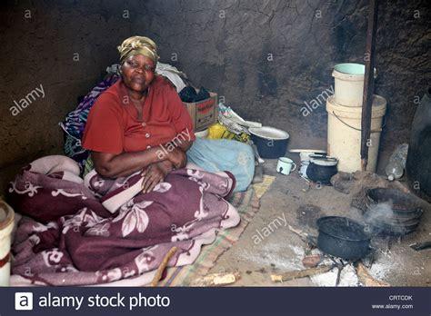 hutte africaine interieur interior hut photos interior hut images