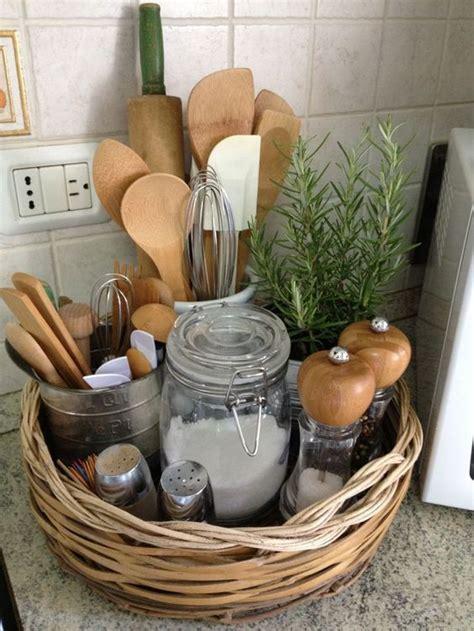 cool ways   baskets  home decor shelterness