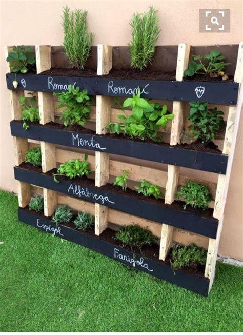 How To Make A Vertical Pallet Herb Garden 25 Best Ideas About Vertical Herb Gardens On