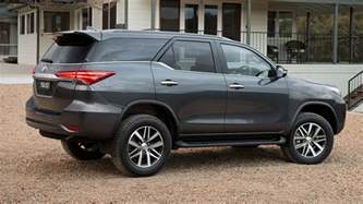 Fortuner Specs by 2016 Toyota Fortuner Features Specifications Brochure