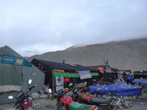 rental montana oxygen himalayan ranges picture of mt everest base c