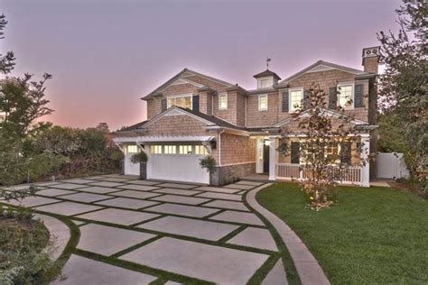 Luxury Homes For Sale In Encino Ca Cape Cod Traditional Estate In California California Luxury Homes Mansions For Sale Luxury