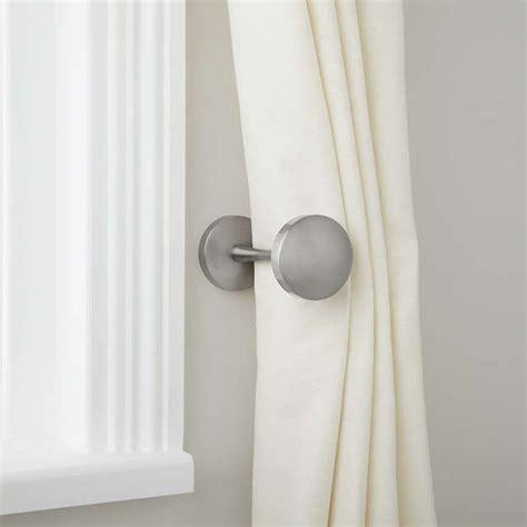 how to install curtain tie backs best 25 curtain holdbacks ideas ideas on pinterest