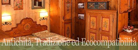 mobili tirolesi dipinti pin mobili tirolesi antiquariato arredamento e casalinghi