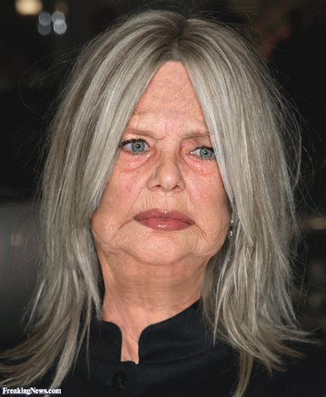 how does meg ryan look so young aging celebrities pictures freaking news