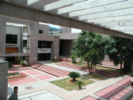 Mba In Nift Delhi by Fees Structure And Courses Of National Institute Of