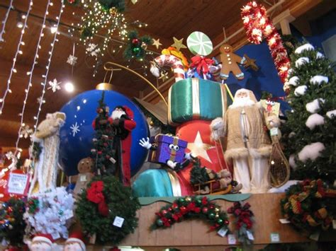 bonnars christmas trees inside the store picture of bronner s frankenmuth tripadvisor