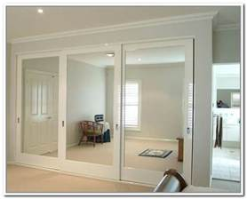 Closet Door With Mirror Sliding Mirror Closet Door Pulls For The Home Sliding Mirror Doors Door Ideas