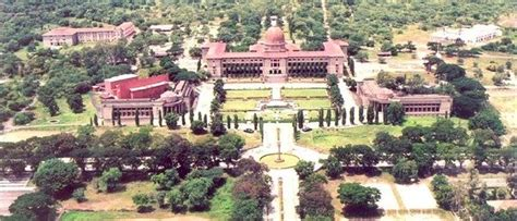 top  beautiful college campuses  india quora