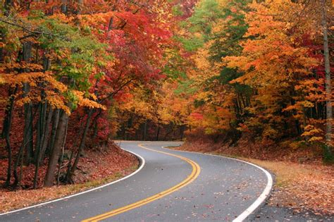 Fall color attractions in pigeon forge part 1