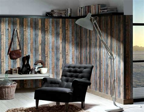 Red Accent Wall wallpaper on the appearance of wood evokes pleasure in the