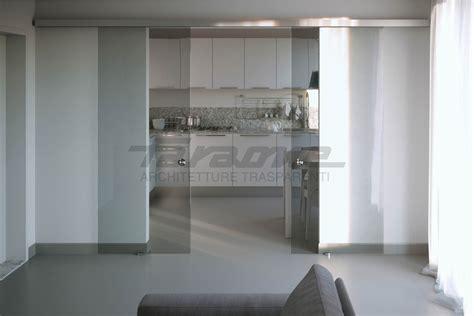 porte vetro scorrevoli velo la porta scorrevole tuttovetro dal design minimale