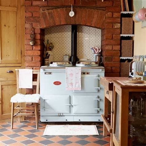 country kitchen with range cooker housetohome co uk how to plan a country style kitchen pick the perfect