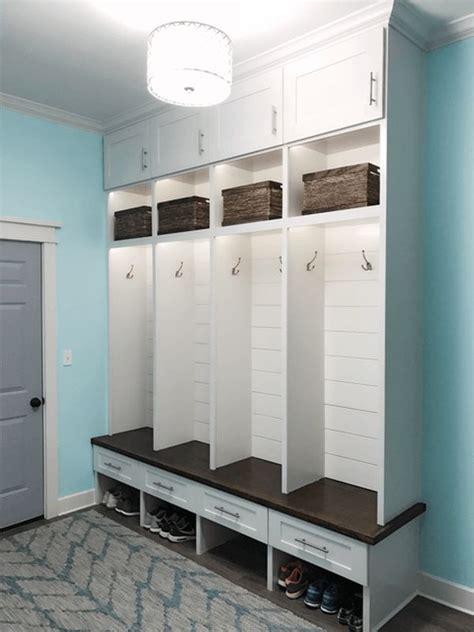 entryway lockers as 25 melhores ideias de lockers no pinterest mud rooms
