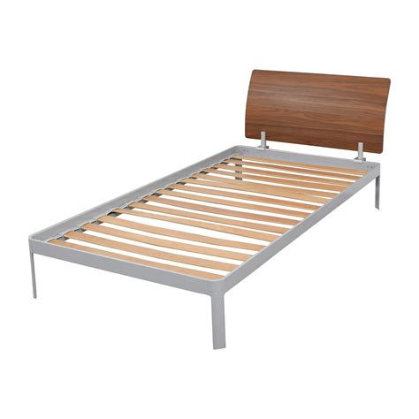 Platform Bed Frame 77 Design Within Reach Design Within Reach Platform Bed Frame With Walnut Headboard