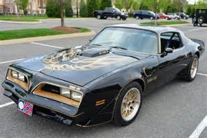 Pontiac Firebird Smokey And The Bandit Burt Auctioning Stuff Including Smokey And The
