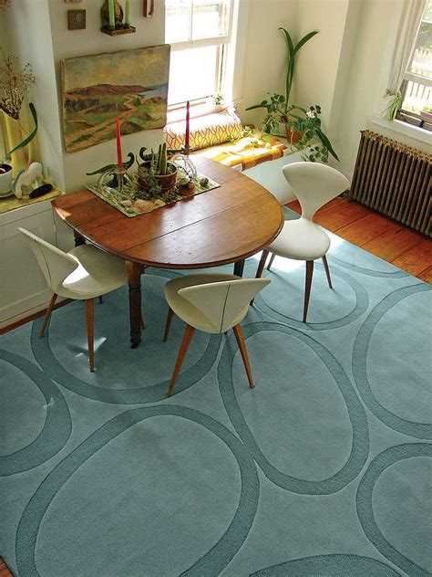 room rug how to choose the dining room rug