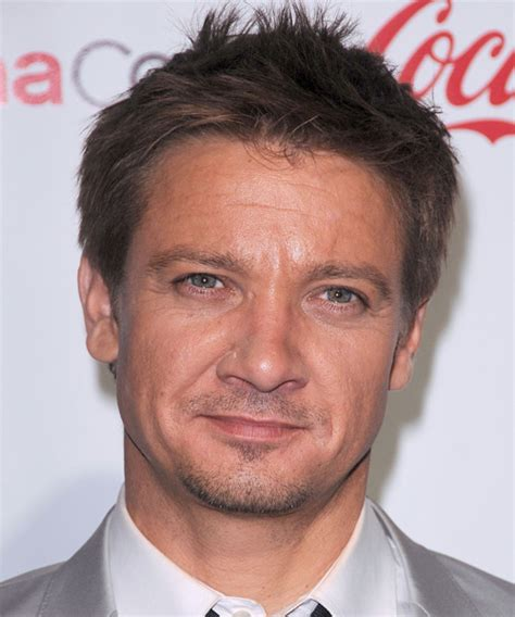 jeremy renner hairstyle jeremy renner short straight casual hairstyle medium