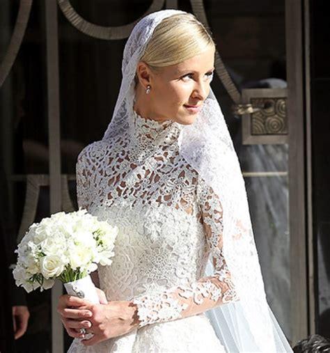 nicky hilton wedding dress nicky hilton marries see her wedding dress paris look