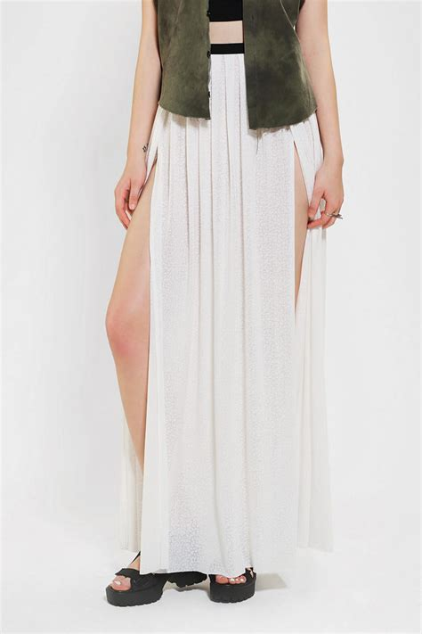 outfitters geo print high slit maxi skirt in white