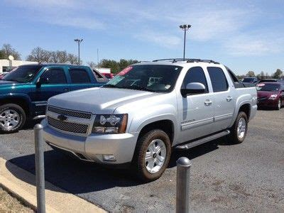 avalanche seats for sale buy used chevy avalanche leather heated seats sunroof z71