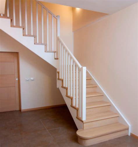 ringhiera in legno ringhiere in legno per scale interne spazio scale