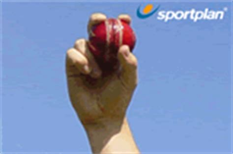 cricket swing bowling grip fast bowlers grip fast and spin bowling drills cricket