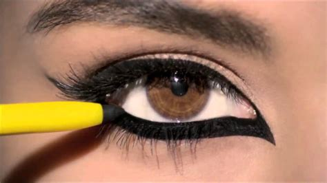 Eyeliner Kajal how to do simple eye makeup using smudge free kajal