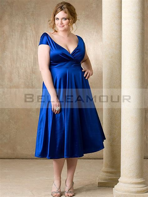 Robe De Cocktail En Satin - robe de cocktail grande taille satin bleu mancheron a ligne
