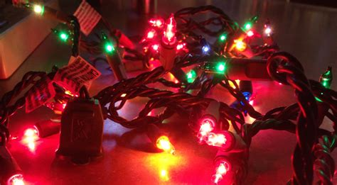 are christmas lights in series or parallel wired