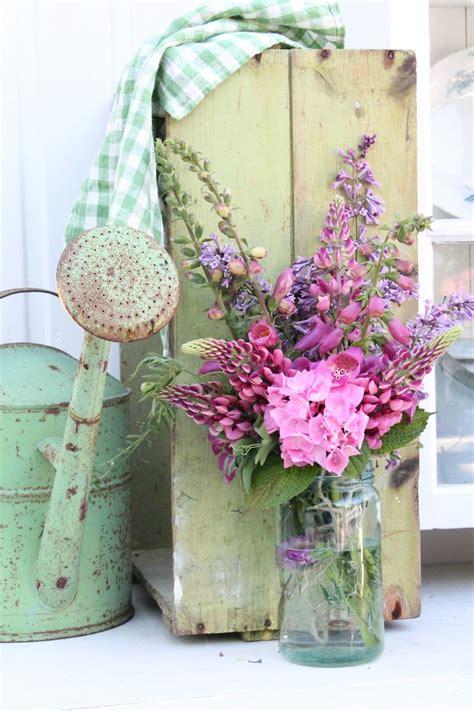 clumsy chic d i y floral arrangements las 25 mejores ideas sobre flores shabby chic en